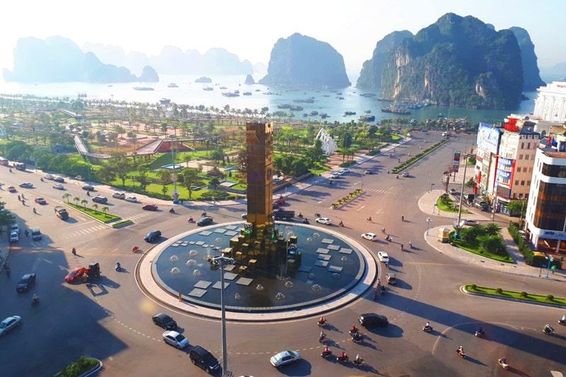 Trung tâm thành phố Hạ Long.